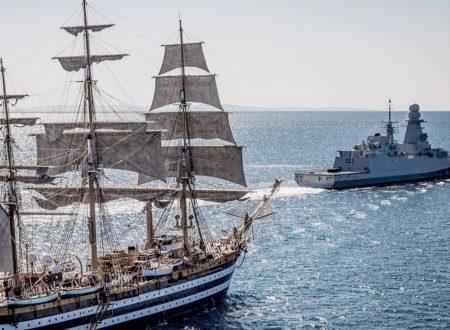 Anche durante le ferie estive, l'attività della Marina Militare non si ferma.